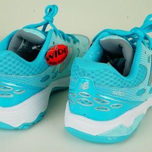 crazy price 61797ed55 new balance 680v3 athletic shoes women